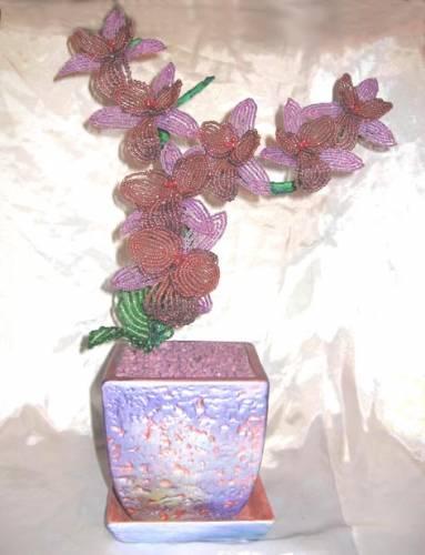 Орхидея из бисера мастер класс. схемы для вязания бисером.