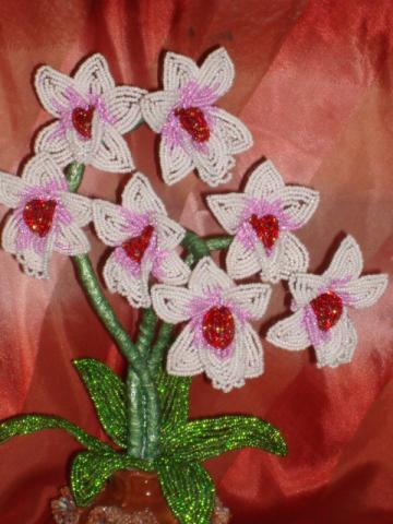 Орхидея из бисера из бисера Бисероплетение.